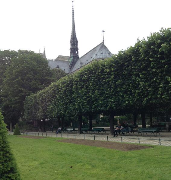 paris-parks-notre-dame-jean-xxiii